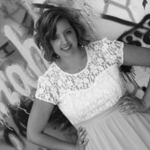 Author Alysha Kaye